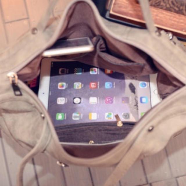 ロックなデザイン♫スタッズ&タッセル付き2WAYバッグ SH39ブラック レディースのバッグ(トートバッグ)の商品写真