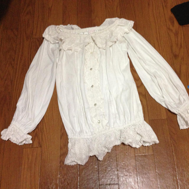 LIZ LISA(リズリサ)のリズリサトップスホワイト春物値下げ レディースのトップス(Tシャツ(長袖/七分))の商品写真