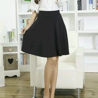 ★SALE★今だけ!即購入可 送料込 フレアスカート ハーフ丈スカート  黒 (ひざ丈スカート)