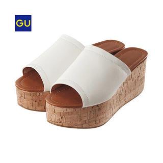 ジーユー(GU)のS プラットフォームサンダル 白 ホワイト(サンダル)