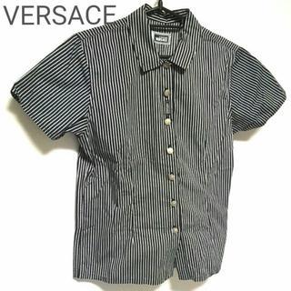 ヴェルサーチ(VERSACE)の正規良品 VERSACE 半袖シャツ ボタンダウン ストライプ 黒 白 ★美品★(ブラウス)