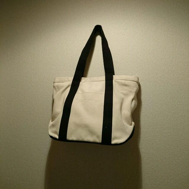 MUJI (無印良品)(ムジルシリョウヒン)の未使用品!【無印良品】帆布トートバッグ きなり×ネイビー 大容量 レディースのバッグ(トートバッグ)の商品写真