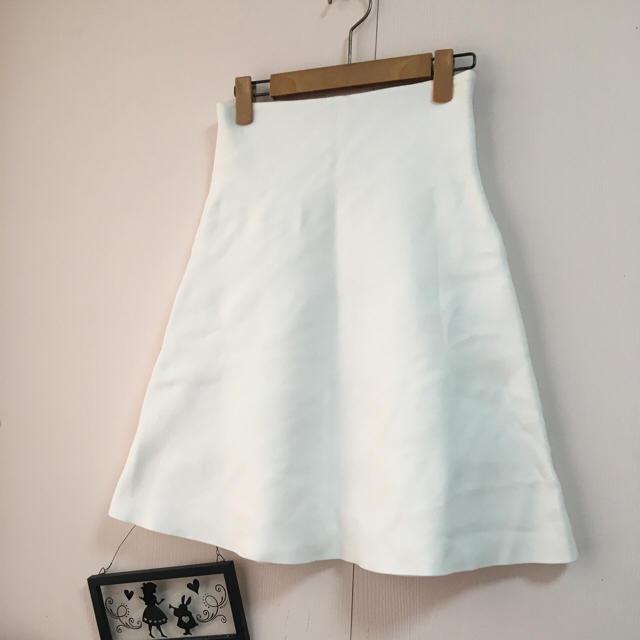 Demi-Luxe BEAMS(デミルクスビームス)のビーミングビームス♡しっかり生地 フレアスカート♡ホワイト  レディースのスカート(ひざ丈スカート)の商品写真