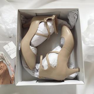 NATURAL BEAUTY BASIC(ナチュラルビューティーベーシック)の【2017美品】ナチュラルビューティーベーシック レースアップパンプス ベージュ レディースの靴/シューズ(ハイヒール/パンプス)の商品写真