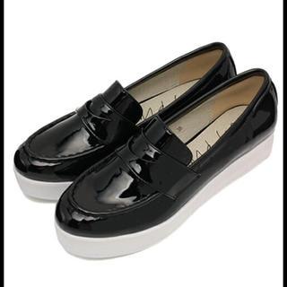 ケービーエフ(KBF)のKBF+ 厚底ローファー(ローファー/革靴)