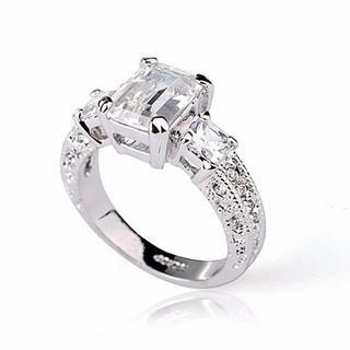 アヴァランチ(AVALANCHE)のAAA大粒ダイヤモンドczリング高品質の合金、18KGF(リング(指輪))