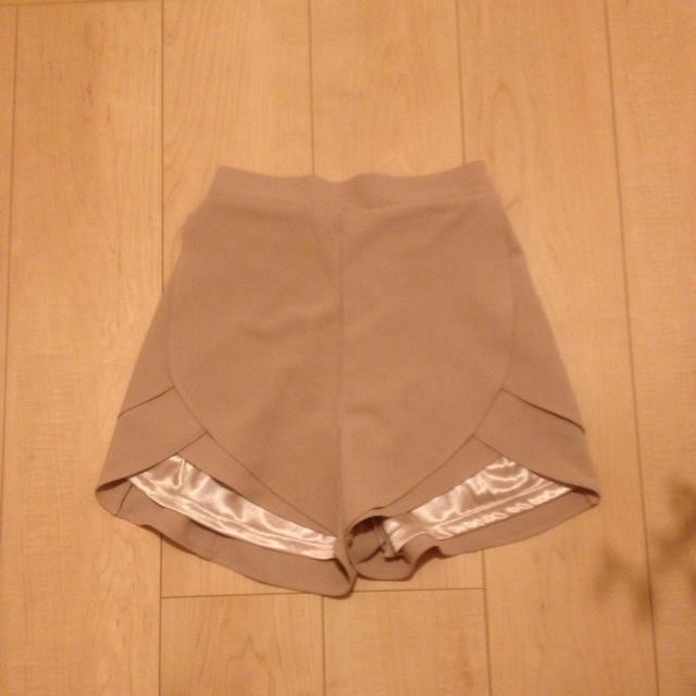 MURUA(ムルーア)の必見♥破格♥ムルーアピンクベージュパンツ レディースのパンツ(ショートパンツ)の商品写真