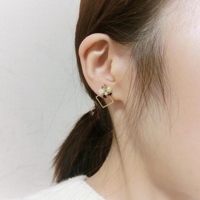 【121】《再販》ブラウンカラーの小さなデコレーションピアス☆ ハンドメイドのアクセサリー(ピアス)の商品写真