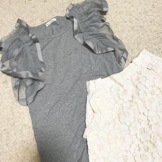 スリーフォータイム(ThreeFourTime)のスリーフォータイム♡袖フリルトップス(カットソー(半袖/袖なし))