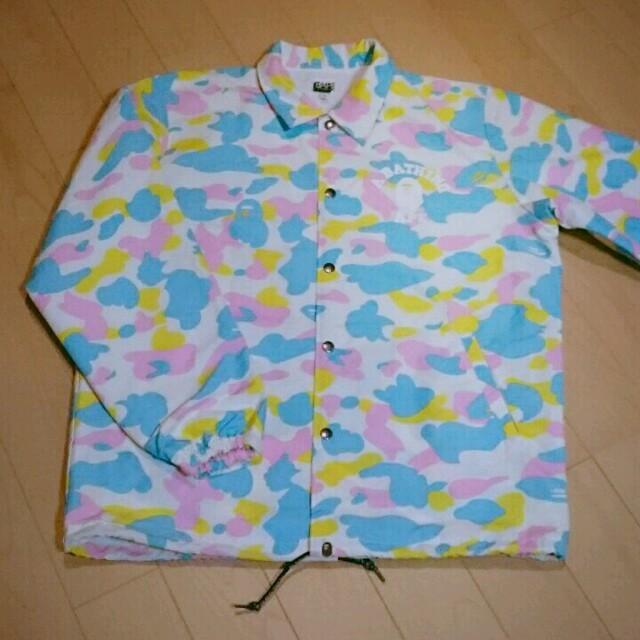 A BATHING APE(アベイシングエイプ)のA BATHING APE レインコート マルチカモ メンズMサイズ メンズのジャケット/アウター(ナイロンジャケット)の商品写真