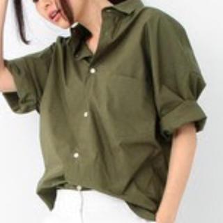 マディソンブルー(MADISONBLUE)の極美品!マディソンブルー J.BRADLEY シャツ カーキ 00(シャツ/ブラウス(長袖/七分))