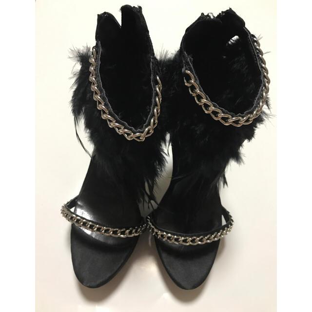 SLY(スライ)のフェザー&チェーンストラップサンダル レディースの靴/シューズ(サンダル)の商品写真