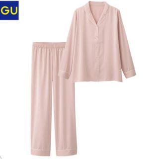 ジーユー(GU)のGU サテンパジャマ ピンク(パジャマ)
