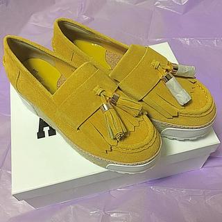 アナスイ(ANNA SUI)の新品! ANNA SUI 厚底タッセル付きスエードローファー(ローファー/革靴)