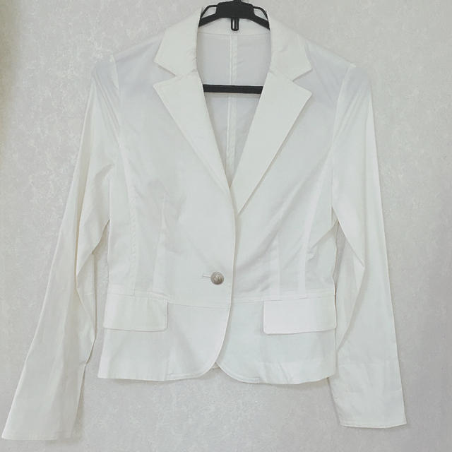 新品 白ジャケット スーツにも 入学式 卒業式 発表会 形綺麗 レディースのフォーマル/ドレス(スーツ)の商品写真