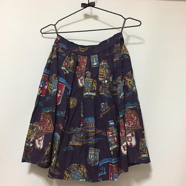 JaneMarple(ジェーンマープル)のJane marple スーベニアエンブレムミニスカート レディースのスカート(ひざ丈スカート)の商品写真
