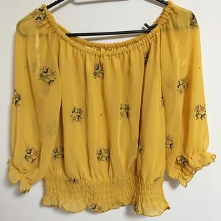 シマムラ(しまむら)の花刺繍 オフショルダー(シャツ/ブラウス(半袖/袖なし))