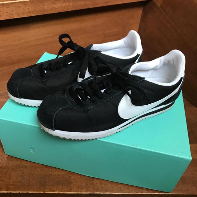 NIKE(ナイキ)のsonoさん専用 NIKE ナイキ コルテッツ ブラック 23.5cm レディースの靴/シューズ(スニーカー)の商品写真