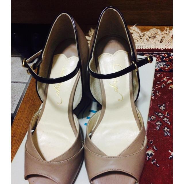 Odette e Odile(オデットエオディール)のオデット エ オディール ベージュサンダル レディースの靴/シューズ(サンダル)の商品写真