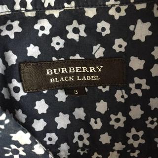 バーバリー(BURBERRY)のバーバリーブラックレーベル 花柄シャツ Lサイズ(シャツ)