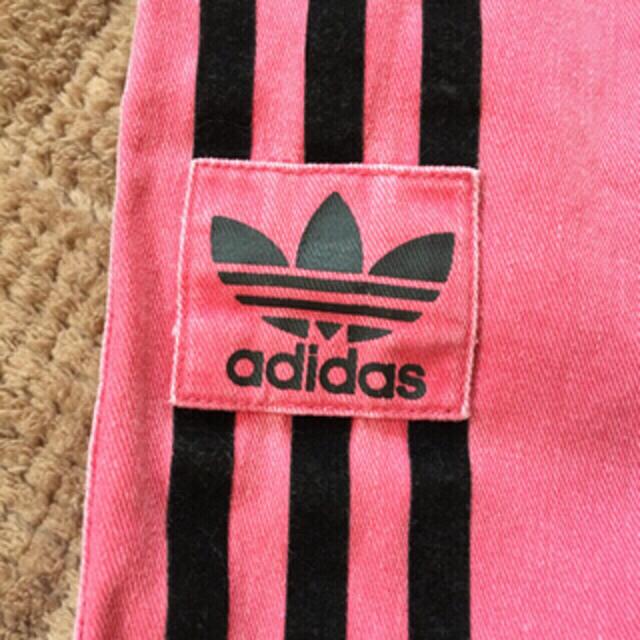 adidas(アディダス)のadidas★ショートパンツ★ピンク★赤★古着★vintage★used レディースのパンツ(ショートパンツ)の商品写真