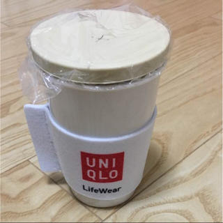 ユニクロ(UNIQLO)のユニクロ コップ 新品未使用 郵送無料(日用品/生活雑貨)