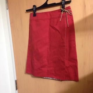 バーバリー(BURBERRY)の新品本物バーバリー赤巻きスカート膝丈38(ひざ丈スカート)