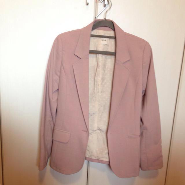 MIIA(ミーア)のMiia 薄ピンクジャケ レディースのジャケット/アウター(テーラードジャケット)の商品写真