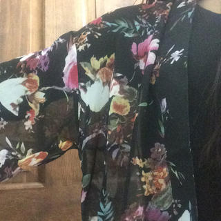 【ZARA系】【新品】ブラック 花柄シフォン ロングカーディガン ガウン レディースのトップス(カーディガン)の商品写真