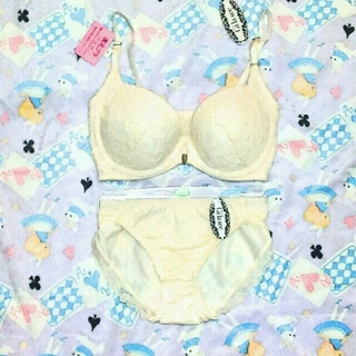 新品!E70ブラジャーセット☆白ホワイトレース☆美乳ブラ脇高フロントホック(ブラ&ショーツセット)