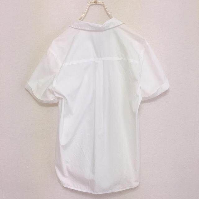 GU(ジーユー)のGU  シンプルデザイン シャツ レディースのトップス(シャツ/ブラウス(半袖/袖なし))の商品写真