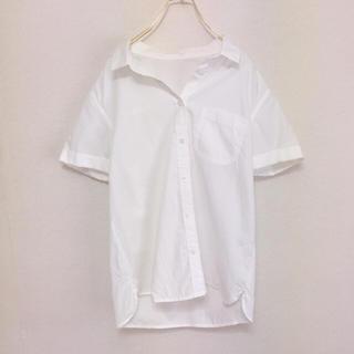 ジーユー(GU)のGU  シンプルデザイン シャツ(シャツ/ブラウス(半袖/袖なし))