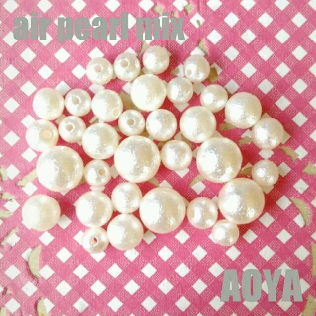 エアパール ミックス アソート 10㎜玉 8㎜玉 7㎜玉 6㎜玉 オフホワイト ハンドメイドの素材/材料(各種パーツ)の商品写真
