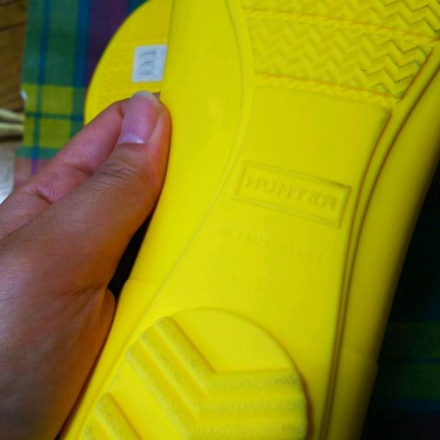 HUNTER(ハンター)のなお☆様専用。HUNTERラバーフラット レインシューズ イエロー レディースの靴/シューズ(レインブーツ/長靴)の商品写真