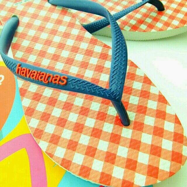 havaianas(ハワイアナス)の【新品】ハワイアナスチェックビーチサンダル レディースの靴/シューズ(ビーチサンダル)の商品写真