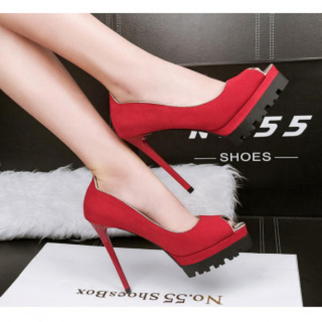 【新作】履きやすい ハイヒール パンプス 高級感 レッド レディースの靴/シューズ(ハイヒール/パンプス)の商品写真