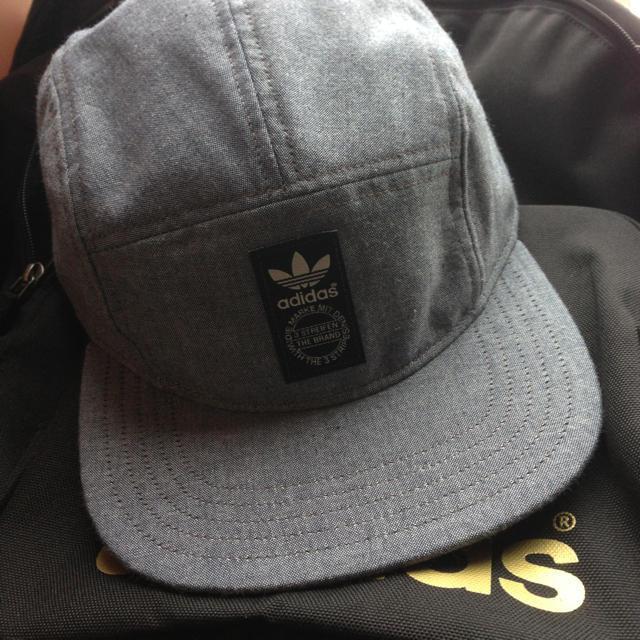 adidas(アディダス)のadidas 最新デザインキャップ レディースの帽子(ニット帽/ビーニー)の商品写真