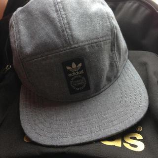 アディダス(adidas)のadidas 最新デザインキャップ(ニット帽/ビーニー)