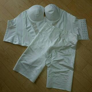 ユミカツラ(YUMI KATSURA)のみかん様専用 桂由美 ウエディング ブライダルインナー E75 白 パッド付き(ブライダルインナー)