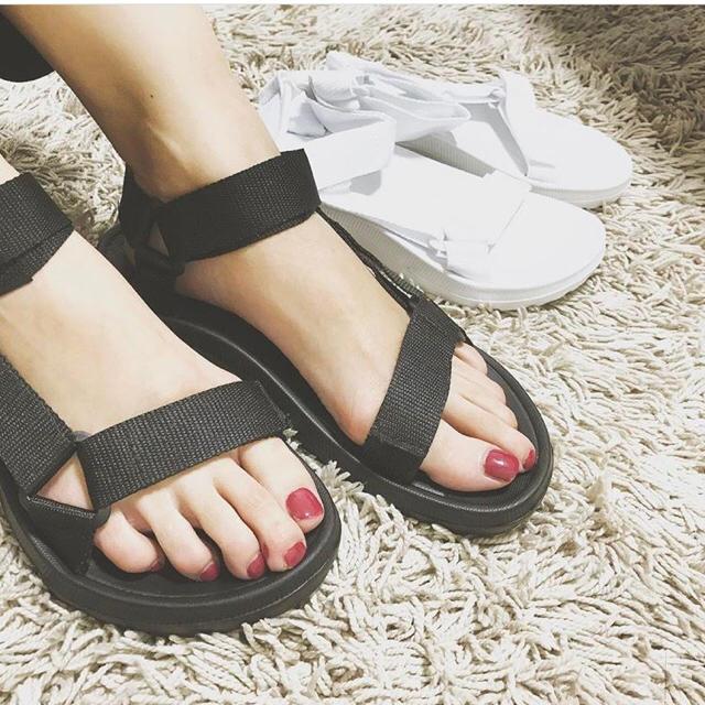 スポーツサンダル 黒 スポサン サンダル レディースの靴/シューズ(サンダル)の商品写真