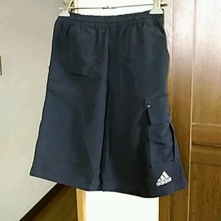 アディダス(adidas)の半ズボン(140㎝男の子)(パンツ/スパッツ)