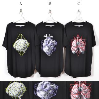 ファンキーフルーツ(FUNKY FRUIT)の男女兼用 臓器 × 線画 グラフィック チュニック ビッグT(Tシャツ(半袖/袖なし))