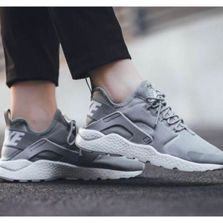 ナイキ(NIKE)のセール!!!NIKE AIR HUARACHE RUN URTLA(スニーカー)