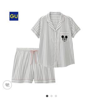 ジーユー(GU)の【新品】完売品 入手困難 ディズニー ミッキー コラボGUパジャマ(パジャマ)