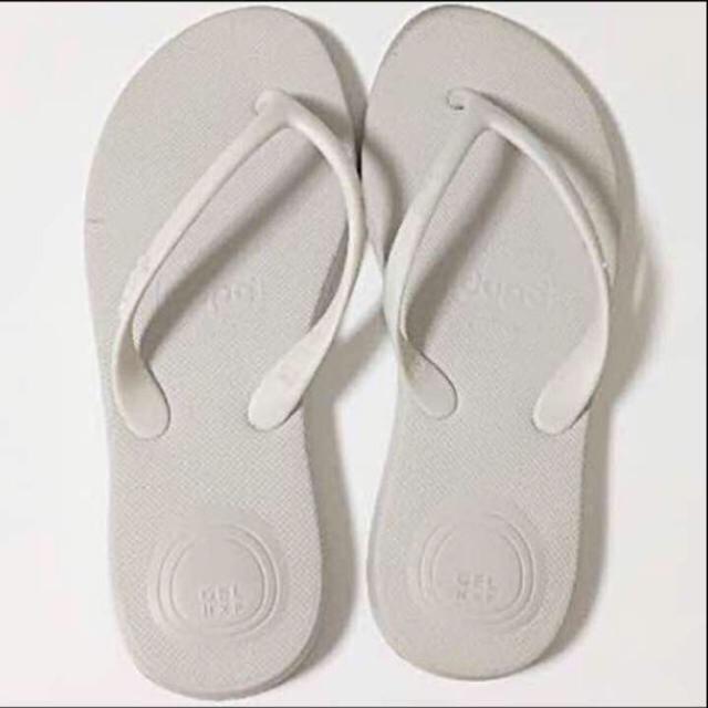 havaianas(ハワイアナス)のdupeビーチサンダル♡ホワイト♡EUR35サイズ レディースの靴/シューズ(ビーチサンダル)の商品写真
