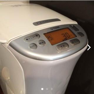 タイガー(TIGER)のタイガー IHホームベーカリー KBX-A100(調理機器)