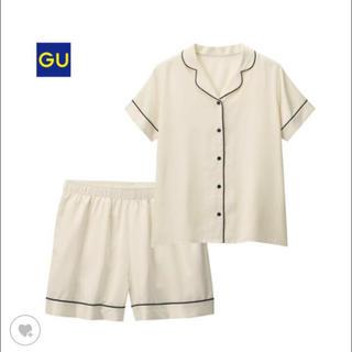ジーユー(GU)のGU サテンパジャマ 半袖 上下セット PJ(パジャマ)