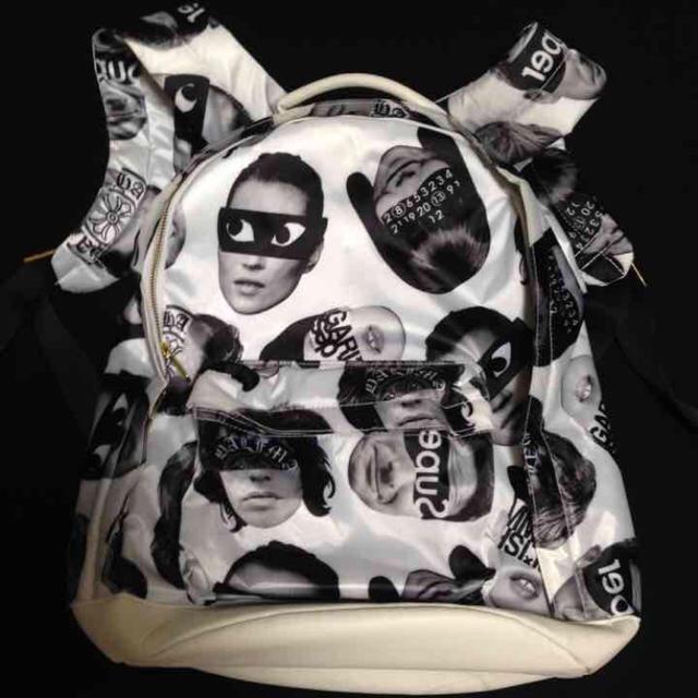 HALFMAN(ハーフマン)のHALF MAN 総柄 ハーフマン バックパック リュック ビッグフェイス レディースのバッグ(リュック/バックパック)の商品写真
