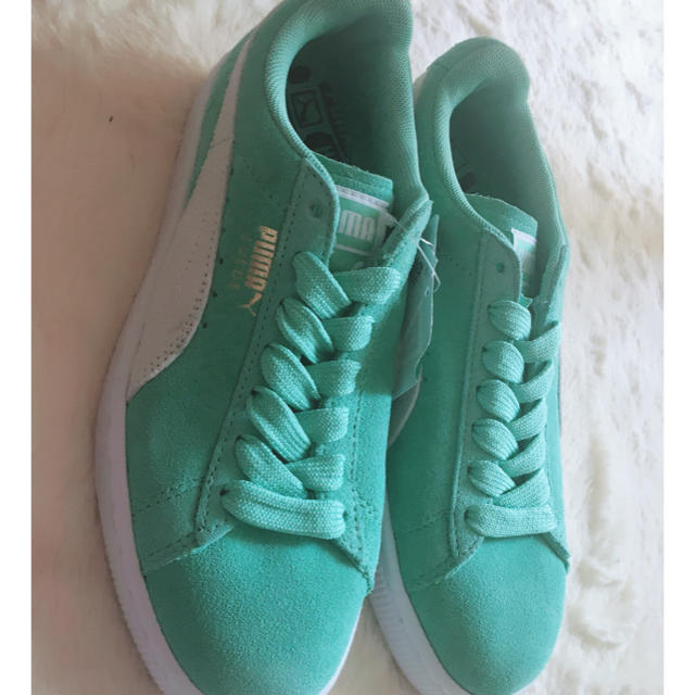 PUMA(プーマ)のティファニーブルーPUMA レディースの靴/シューズ(スニーカー)の商品写真