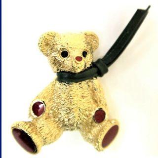 バーバリー(BURBERRY)のバーバリー♪ブローチ♪テディベア♪バーバリーズ♪くま♪ゴールド 赤(ブローチ/コサージュ)